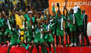 Golden Eaglets of Nigeria celebrate with the trophy after winning the FIFA U-17 World Cup in Chile